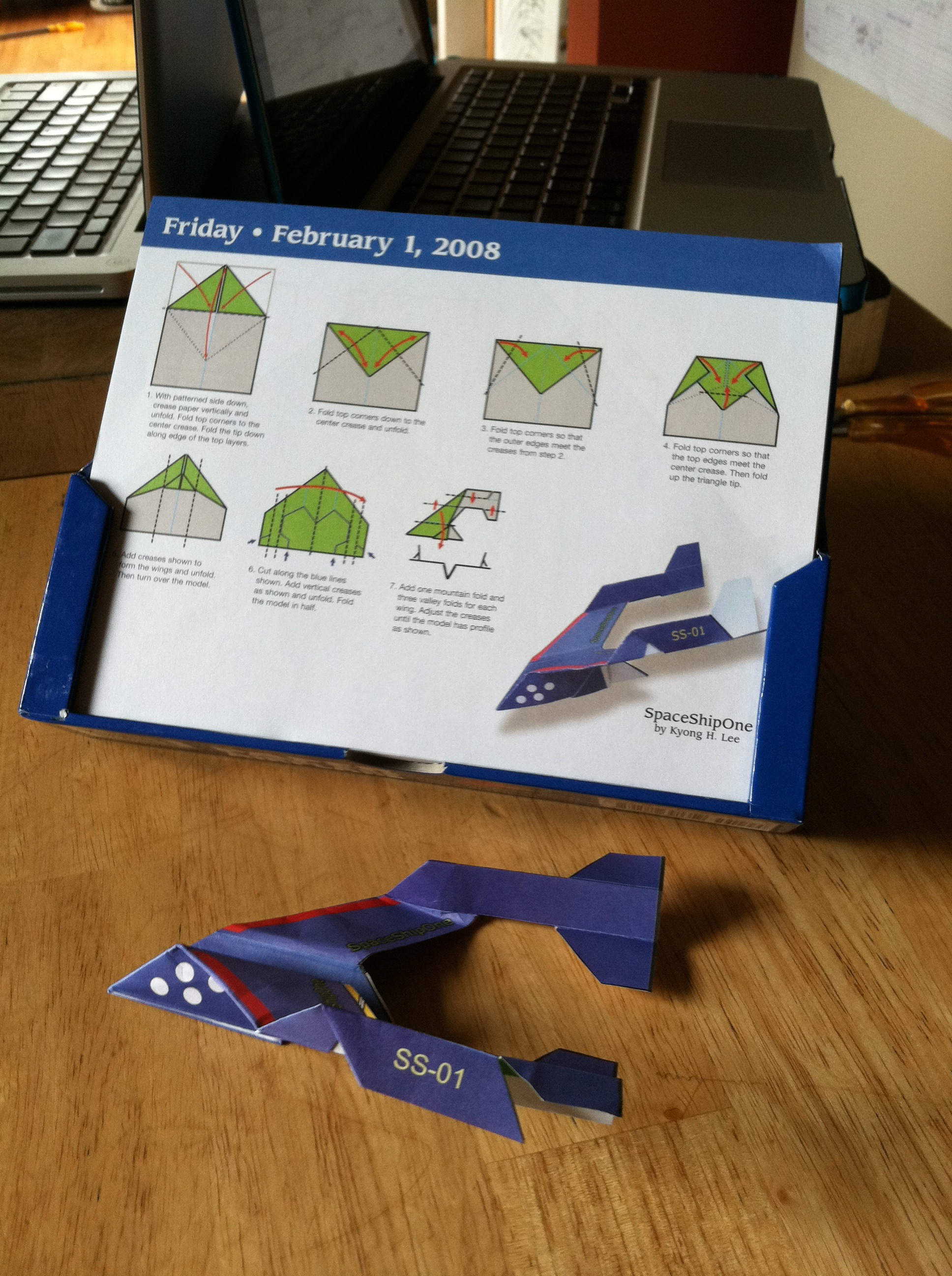 The Big Throw Down Paper Airplanes Vs Frisbees Gypsy Queen Airplane Diagrams Spaceship