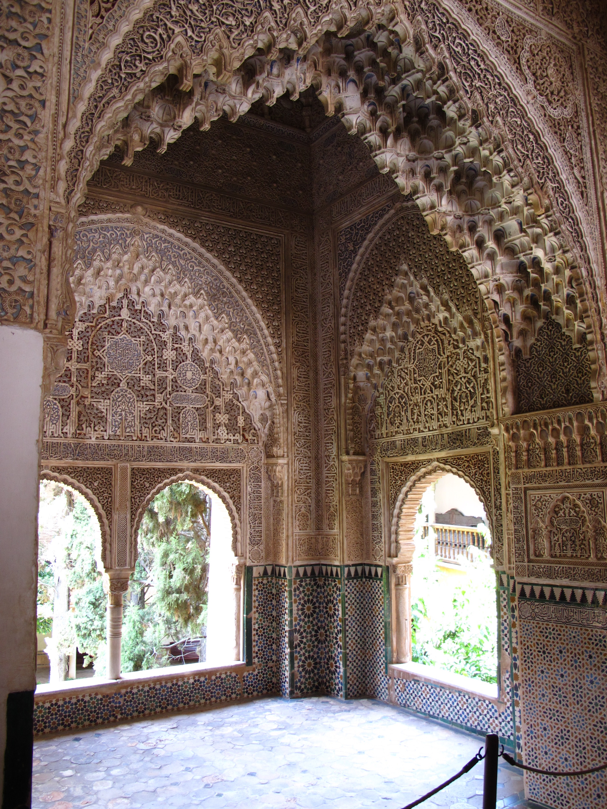 The alhambra gypsy queen for Alhambra decoration