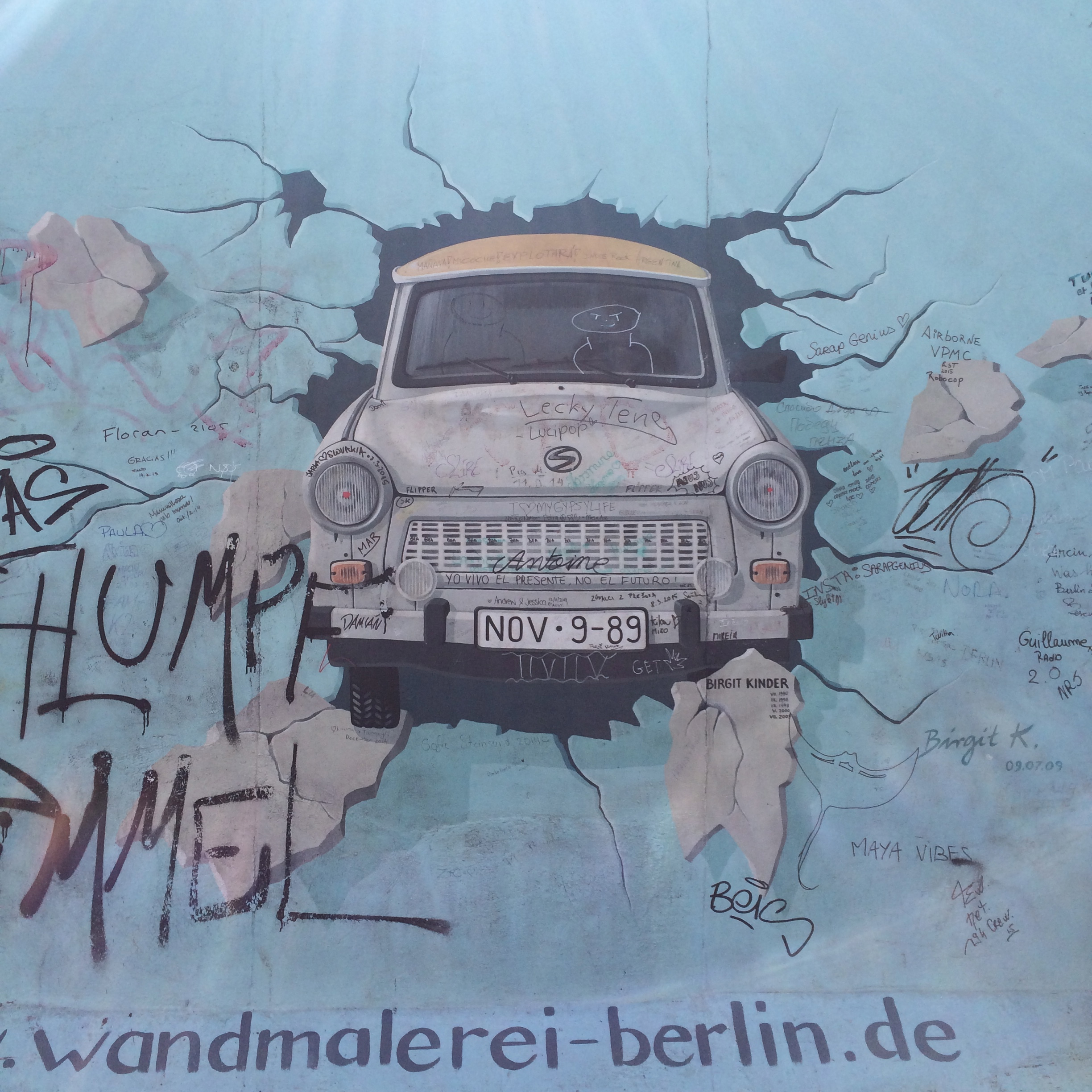 the remains of the berlin wall gypsy queen. Black Bedroom Furniture Sets. Home Design Ideas